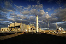 Santos to delay investment decision on Gladstone LNG project