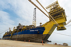 Angolan shipyard celebrates arrival of FPSO